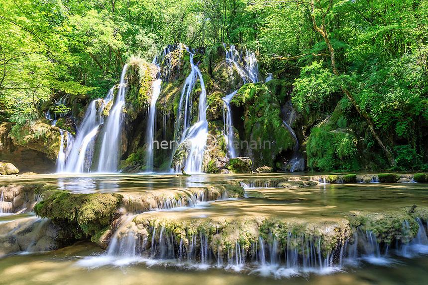 France, Jura (39), Les Planches-près-Arbois,  la cascade des Tufs // France, Jura, Les Planches pres Arbois, Tufs cascade