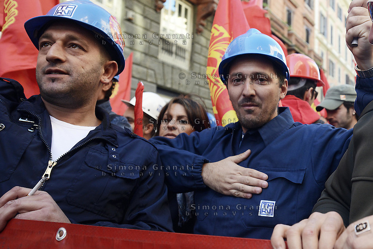 Roma, 25 Ottobre 2014<br /> Lavoro. La CGIL manifesta a Roma con due cortei nazionali fino a Piazza San Giovanni , contro il jobs act e la riforma dell'art.18 del governo Renzi.<br /> FIOM Acciaierie di Terni<br /> CGIL protest against the jobs act and the reform of article 18 of the government Renzi.<br /> <br /> Rome, October 25, 2014 <br /> Work. The national union CGIL manifested in Rome with two national marches to Piazza San Giovanni, against the jobs act and the reform of article 18 of the government Renzi.