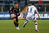 Gavin Henson of Dragons is marked by Jules Gimbert of Bordeaux Begles during the European Challenge Cup match between Dragons and Bordeaux Begles at Rodney Parade, Newport, Wales, UK. 20 January 2018