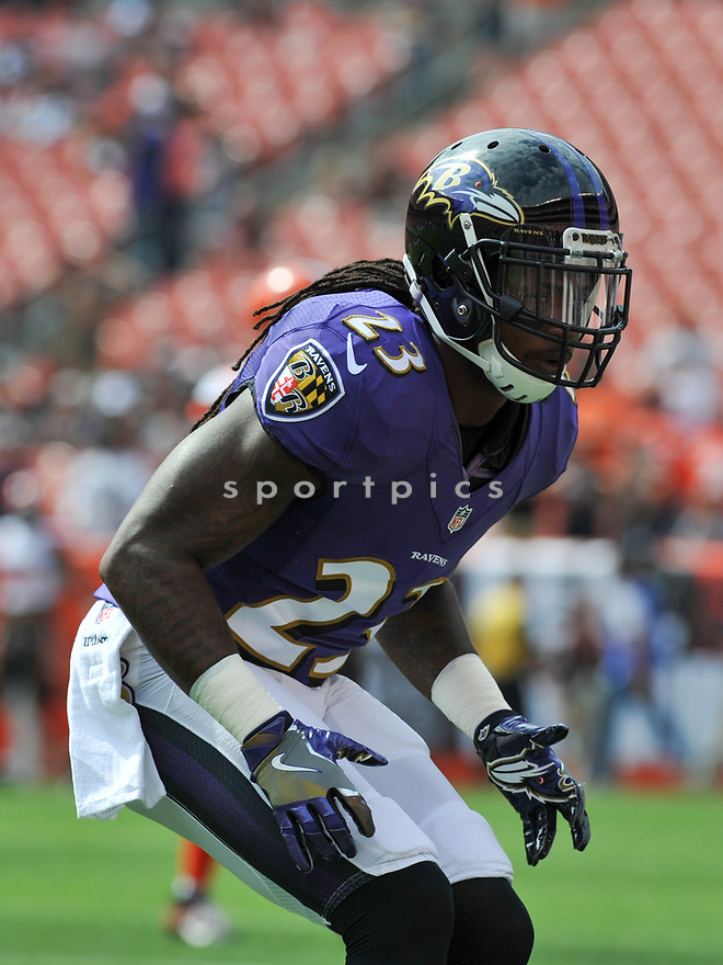 CLEVELAND, OH - JULY 18, 2016: Defensive back Kendrick Lewis #23 of the Baltimore Ravens warms up prior to a game against the Cleveland Browns on July 18, 2016 at FirstEnergy Stadium in Cleveland, Ohio. Baltimore won 25-20. (Photo by: 2017 Nick Cammett/Diamond Images)  *** Local Caption *** Kendrick Lewis(SPORTPICS)