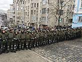 Sicherheitkräfte sperren die Straße in der Nähe der Wohnung. Verhaftung Saakaschwili am 5.12.2017 in Kiew. Vor seinem Wohnhaus versammelten sich Demonstranten.