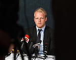 Steven Naismith announces his intention not to transfer his contract over to Charles Green's Sevco 5088 Rangers