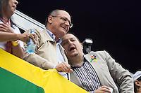 SAO PAULO, SP, 02 JUNHO 2013 - PARADA DO ORGULHO GLBT - O Governador de São Paulo Geraldo Alckemim durante a 17 Parada do Orgulho LGBT na Avenida Paulista, na tarde deste domingo, 02. (FOTO: MARCELO BRAMMER / BRAZIL PHOTO PRESS).