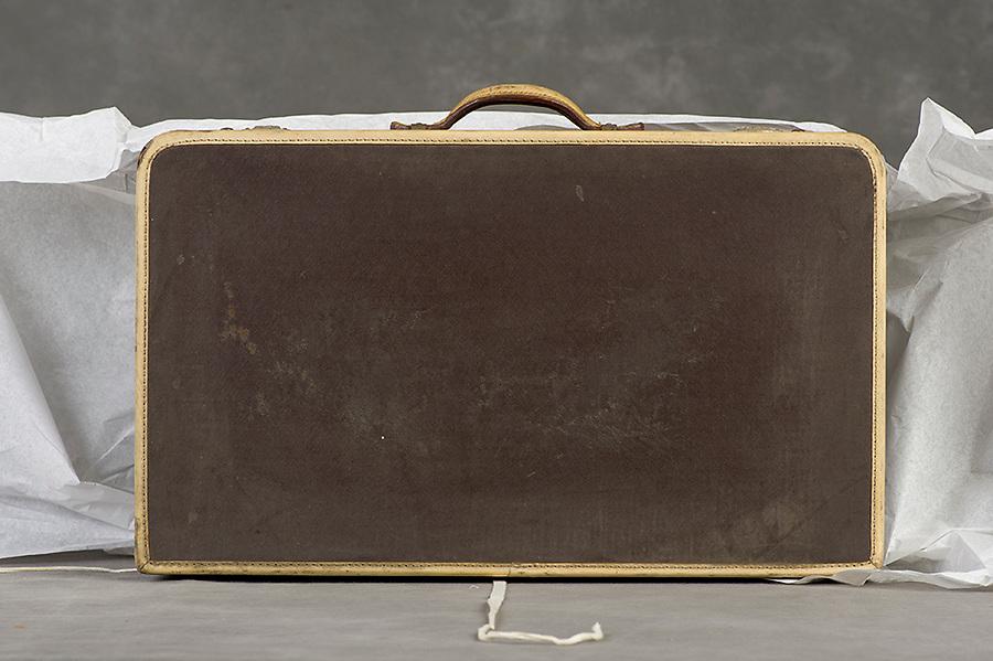 Willard Suitcases / Mary Ruth H / ©2014 Jon Crispin