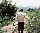 KOS / Kosovo /Mitrovica / 01.07.2009 / ehemalige Bahnstrecke der Minengesellschaft Trepca in Mitrovica