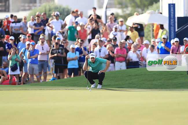 Peter Uihlein (USA) on the 18th green during Round 4 of the DP World Tour Championship 2017, at Jumeirah Golf Estates, Dubai, United Arab Emirates. 19/11/2017<br /> Picture: Golffile | Thos Caffrey<br /> <br /> <br /> All photo usage must carry mandatory copyright credit     (&copy; Golffile | Thos Caffrey)