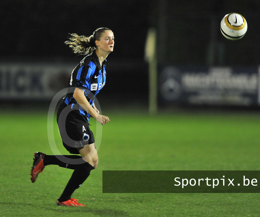20131001 - VARSENARE , BELGIUM : Brugge's Bieke Vandenbussche pictured during the female soccer match between Club Brugge Vrouwen and Royal Antwerp FC Ladies , of the fifth matchday in the BENELEAGUE competition. Tuesday 1 October 2013. PHOTO DAVID CATRY