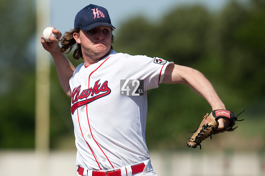 24 May 2009: Kyle Gruver of La Guerche pitches against Senart during the 2009 challenge de France, a tournament with the best French baseball teams - all eight elite league clubs - to determine a spot in the European Cup next year, at Montpellier, France. Senart wins 8-5 over La Guerche.