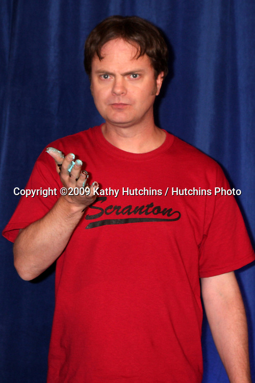 """Rainn Wilson   - 100th Episode of """"The Office""""  On Location at Calamigos Ranch in Malibu , CA on April 14, 2009.©2009 Kathy Hutchins / Hutchins Photo....                ."""