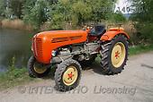 Gerhard, MASCULIN, tractors, photos, red tractor, stree(DTMB140-40,#M#) Traktoren, tractores