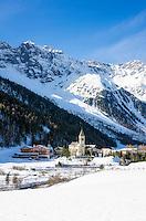 Italy, South Tyrol, Alto Adige, Sulden (Solda): hiking and ski area at 1.900 m altitude with Ortler Group mountains | Italien, Suedtirol, Vinschgau, Sulden: Bergdorf, Wander- und Skigebiet in ca. 1.900 m Meereshoehe vor der Ortlergruppe