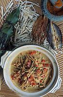 Asie/Malaisie/Bornéo: Restaurant Kiranav - Poisson séché au lait de coco et pousses de bambou; Nangka Ikan Masiu