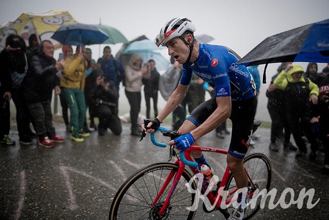 Maglia Azzurra / KOM leader AND eventual stage winner Giulio Ciccone (ITA/Trek-Segafredo) up the extremely wet, cold & misty Cole di Mortirolo <br /> <br /> Stage 16: Lovere to Ponte di Legno (194km)<br /> 102nd Giro d'Italia 2019<br /> <br /> ©kramon