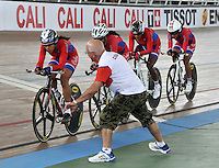 CALI – COLOMBIA – 16-01-2015: Equipo de Cuba, durante prueba de persecución por equipos femenino en el Velodromo Alcides Nieto Patiño, sede de la III Copa Mundo UCI de Pista de Cali 2014-2015  / Cuba Team, during a Women´s Teams Pursuit test at the Alcides Nieto Patiño Velodrome, home of the III Cali Track World Cup 2014-2015 UCI. Photos: VizzorImage / Luis Ramirez / Staff.