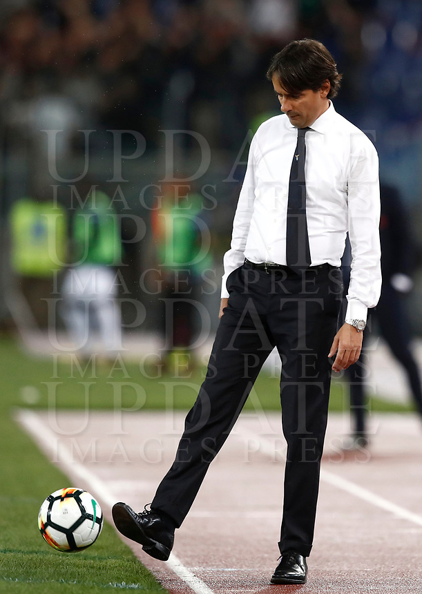 Calcio, Serie A: Roma, stadio Olimpico, 22 ottobre 2017.<br /> Lazio's coach Simone Inzaghi kicks a ball during the Italian Serie A football match between Lazio and Cagliari at Rome's Olympic stadium, October 22, 2017.<br /> UPDATE IMAGES PRESS/Isabella Bonotto