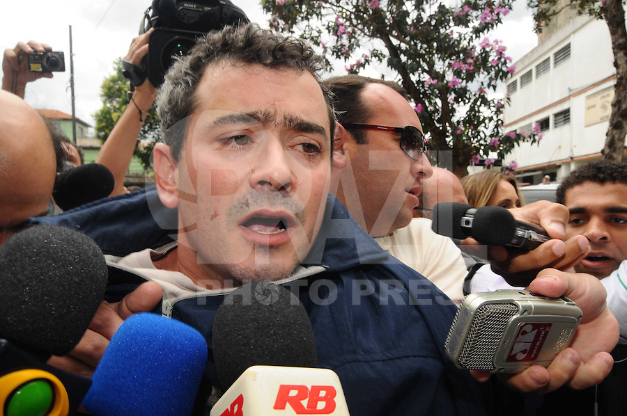 SAO PAULO, SP, 12 Janeiro 2012.O administrador de empresas Michel Goldfarb Costa, de 34 anos, suspeito de provocar uma série de acidentes em São Paulo chega no 26 dp  .  (FOTO: ADRIANO LIMA - NEWS FREE)