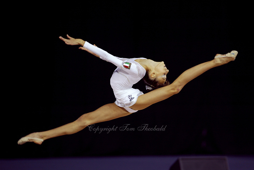 September 24, 2003; Budapest, Hungary; ROMINA LAURITO of Italy performs at 2003 World Championships.