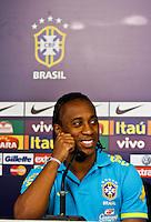 ATENÇÃO EDITOR: FOTO EMBARGADA PARA VEÍCULOS INTERNACIONAIS - SÃO PAULO,SP,04 SETEMBRO 2012 - COLETIVA SELEÇÃO BRASILEIRA - Arouca durante entrevista coletiva na tarde de hoje no  CT do São Paulo em Cotia.FOTO ALE VIANNA - BRAZIL PHOTO PRESS.