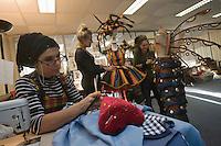 Europe/France/Provence-Alpes-Côte d'Azur/06/Alpes-Maritimes/Nice:  Atelier des costumes du Carnaval- Fabienne d'Alexandry styliste et les couturières