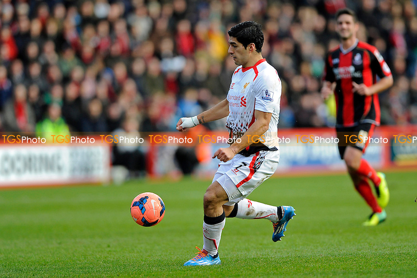 Luis Suarez of Liverpool - AFC Bournemouth vs Liverpool - FA Cup 4th Round Football at the Goldsands Stadium, Bournemouth, Dorset - 25/01/14 - MANDATORY CREDIT: Denis Murphy/TGSPHOTO - Self billing applies where appropriate - 0845 094 6026 - contact@tgsphoto.co.uk - NO UNPAID USE