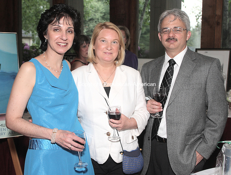 Southbury, CT-31 May 2008-053108MK15  (from left) Joann Behlman and Barbara and Allan Rego gathered at The Heritage Hotel for the Habitat for Humanity 3rd Annual Gala   in Southbury. Michael Kabelka / Republican-American  ( (from left) Joann Behlman and Barbara and Allan Rego)CQ