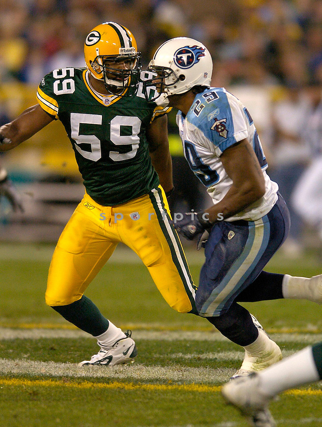 Nail Diggs during the Packers v. Titans game on October 11, 2004...Titans win 48 - 27..Chris Bernacchi / SportPics.