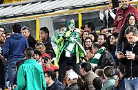 BOGOTÁ-COLOMBIA, 27-08-2019: Hinchas de La Equidad (COL), animan a su equipo durante partido de vuelta de los cuartos de final entre La Equidad (COL) y Club Atlético Mineiro (BRA), por la Copa Conmebol Sudamericana 2019 en el estadio Nemesio Camacho El Campin, de la ciudad de Bogotá. / Fans of La Equidad (COL), cheer for their team during a match between La Equidad (COL) and Club Atletico Mineiro (BRA), of the second leg of the quarter finals for the Conmebol Sudamericana Cup 2019 in the Nemesio Camacho El Campin stadium in Bogota city. Photo: VizzorImage / Luis Ramírez / Staff.