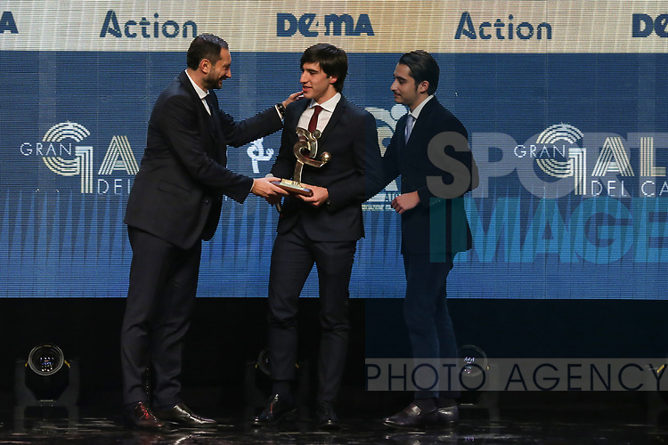 Sandro Tonali of Brescia receives the Best Young Player of Serie B award from former player Mark Iuliano pictured at the The Italian Footballers Association Grand Gala of Football at the Megawatt Court, Milan. Picture date: 2nd December 2019. Picture credit should read: Jonathan Moscrop/Sportimage