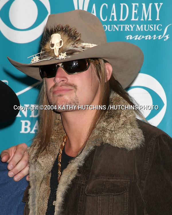 ©2004 KATHY HUTCHINS /HUTCHINS PHOTO.39TH ACADEMY OF COUNTRY MUSIC AWARDS.MAY 26, 2004.LAS VEGAS, NV..KID ROCK