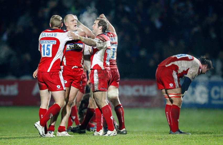 Photo: Richard Lane/Richard Lane Photography..Gloucester Rugby v Ospreys. Heineken Cup. 16/11/2007. .Gloucester celebrate victory.