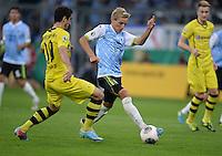 FUSSBALL   DFB POKAL 1. RUNDE   SAISON 2013/2014 TSV 1860 Muenchen - Borussia Dortmund         24.09.2013 Stefan Wannenwetsch (re, 1860 Muenchen) gegen Henrikh Mkhitaryan (Borussia Dortmund)