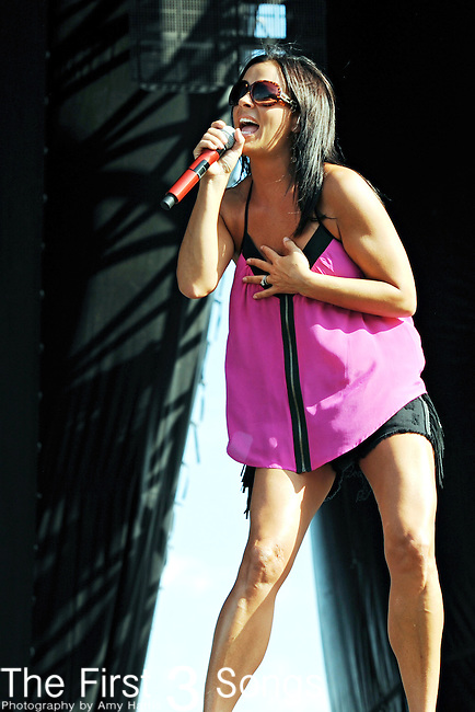 Sara Evans performs at the HullabaLOU Music Festival in Louisville, Kentucky on July 23, 2010.