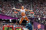 Engeland, London, 4 Augustus 2012.Olympische Spelen London.Meerkampster Louise Hazel  in actie op het onderdeel verspringen op de Olympische Spelen in Londen 2012.