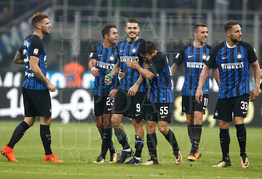 Calcio, Serie A: Milano, stadio Giuseppe Meazza, 15 ottobre 2017.<br /> Inter's players celebrate after winning 3-2 the Italian Serie A football match between Inter and Milan at Giuseppe Meazza (San Siro) stadium, October15, 2017.<br /> UPDATE IMAGES PRESS/Isabella Bonotto