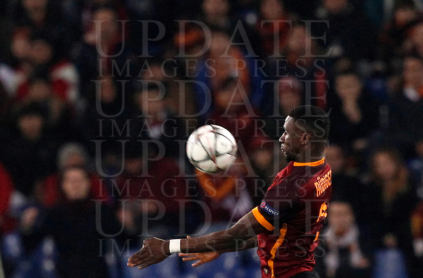 Calcio, andata degli ottavi di finale di Champions League: Roma vs Real Madrid. Roma, stadio Olimpico, 17 febbraio 2016.<br /> Roma's Antonio Ruediger controls the ball during the first leg round of 16 Champions League football match between Roma and Real Madrid, at Rome's Olympic stadium, 17 February 2016.<br /> UPDATE IMAGES PRESS/Riccardo De Luca