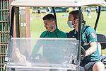 24.06.2020, wohninvest Weserstadion Trainingsplatz, Bremen, GER, 1. FBL, Training SV Werder Bremen, <br /><br />im Bild<br />Milot Rashica (Werder Bremen #07) sitzt im Golfcart. Milot Rashica (Werder Bremen #07) muss das Training abbrechen. Verletzt, Verletzung, Schmerzen.<br /><br />Foto © nordphoto / Paetzel
