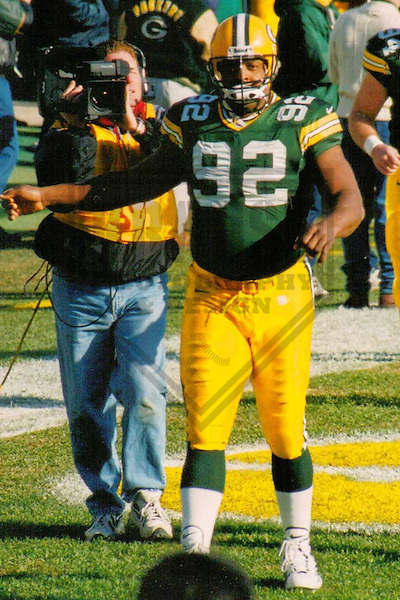 GREEN BAY - DECEMBER 1998: Reggie White (92) of the Green Bay Packers warms up prior to a game on December 13, 1998 at Lambeau Field in Green Bay, Wisconsin. (Photo by Brad Krause)