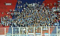 BUENOS AIRES, ARGENTINA, 15.03.2016 - SAN LORENZO-GREMIO - <br /> Torcedores do Gr&ecirc;mio, em partida contra o San Lorenzo v&aacute;lida pela Copa Libertadores da Am&eacute;rica, no Est&aacute;dio Pedro Bidegain, conhecido como El Nueva Gas&oacute;metro, em Buenos Aires, na Argentina, nesta ter&ccedil;a-feira. (Foto: Guido Beck/Brazil Photo Press)