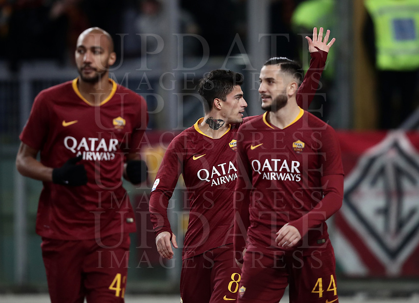 Football, Serie A: AS Roma - US Sassuolo, Olympic stadium, Rome, December 26, 2018. <br /> Roma's Diego Perotti (c) celebrates after scoring with his teammates during the Italian Serie A football match between Roma and Sassuolo at Rome's Olympic stadium, on December 26, 2018.<br /> UPDATE IMAGES PRESS/Isabella Bonotto