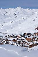 """Europe/France/Rhone-Alpes/73/Savoie/Val-Thorens: La Sation et son domaine skiable vus  depuis la terrasse du Chalet  """"La Marine"""" - restaurant de piste"""
