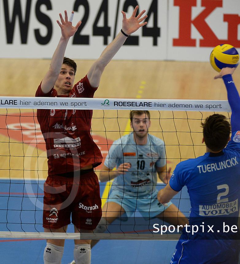Knack Roeselare - Precura Antwerpen : Tom Van Walle (l)<br /> foto VDB / BART VANDENBROUCKE