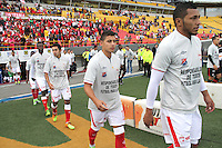 BOGOTA -COLOMBIA- 29 -09-2013. Jugadores de Independiente Santa Fe y de Independiente Medellin ingresan al campo de juego con camisetas del mismo color llevando un mensaje directo  a los violentos.  , partido correspondiente a la doceava fecha de La Liga Postobon segundo semestre jugado en el estadio Nemesio Camacho El Campin / Players Independiente Santa Fe and Independiente Medellin enter the field with the same color shirts bearing a direct message to the violent. , The twelfth game in La Liga Postobon date second half played in the Estadio Nemesio Camacho El Campin.Photo: VizzorImage / Felipe Caicedo / Staff
