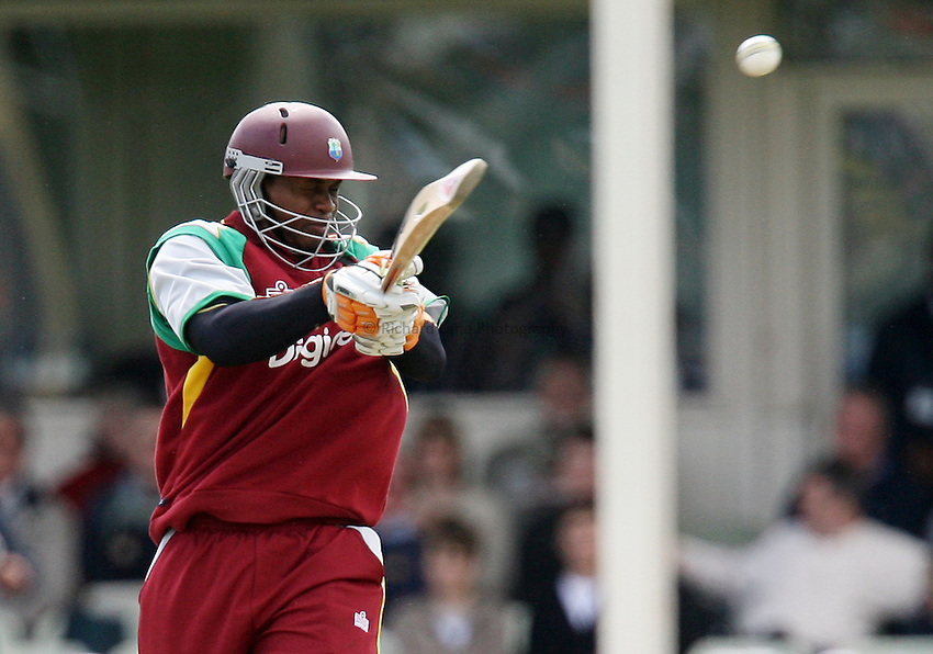 Photo: Rich Eaton...England v West Indies. One Day International Series. 04/07/2007. West Indies' Marlon Samuels hooks.