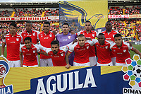 BOGOTÁ- COLOMBIA, 01-09-2019:Formación del Independiente Santa Fe.Acción de juego entre el  Independiente Santa Fe ante el Independiente Medellín durante partido por la fecha 9 de la Liga Águila II  2019 jugado en el estadio Nemesio Camacho El Campín  de la ciudad de Bogotá. /Team of Independiente Santa Fe.Action game between Independiente Santa Fe and Independiente Medellin during the match for the date 9 of the Liga Aguila II 2019 played at the Nemesio Camacho El Campin  stadium in Bogota city. Photo: VizzorImage / Felipe Caicedo / Staff