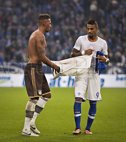 21.09.2013. Gelsenkirchen, Germany. Veltins Arena Football Jersey exchange Jerome Boateng FCB Kevin Prince Boateng S04 FC Schalke 04 FC Bayern Munich