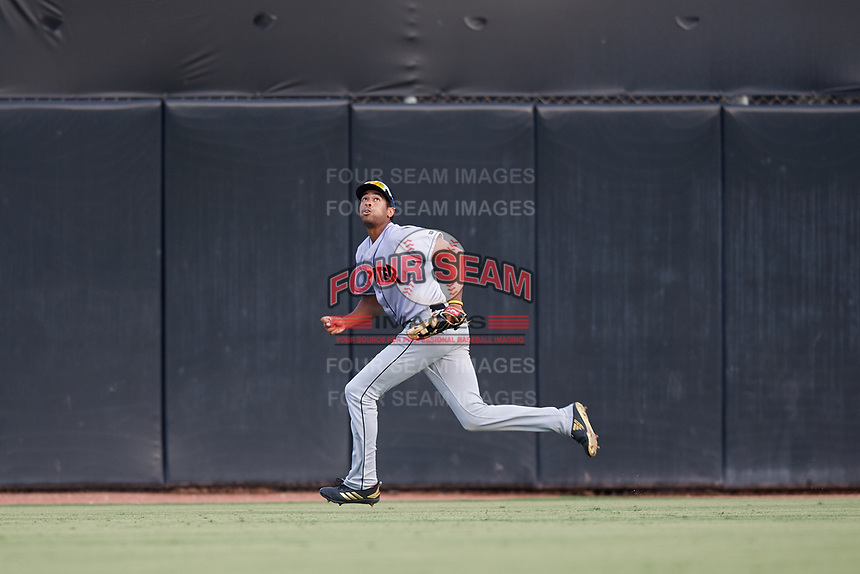 Jupiter Hammerheads center fielder Tristan Pompey (14) tracks a fly ball during a game against the Dunedin Blue Jays on August 14, 2018 at Dunedin Stadium in Dunedin, Florida.  Jupiter defeated Dunedin 5-4 in 10 innings.  (Mike Janes/Four Seam Images)