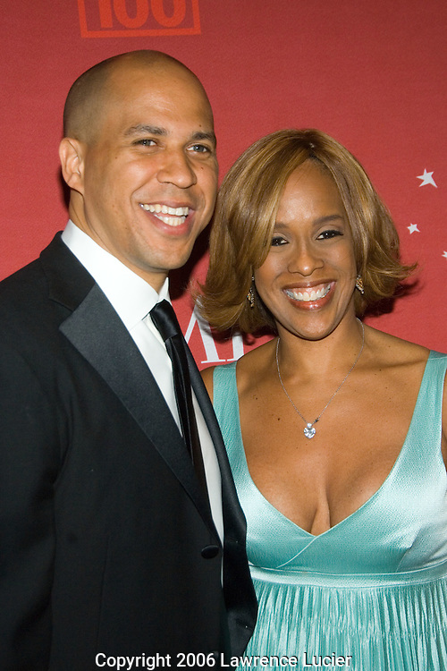 Newark mayor Cory Booker and O magazine editor Gayle King arrive May 8, 2007 for the TIME 100 Gala at Jazz at Lincoln Center in New York City to celebrate the 100 most influential people in the world.  (Pictured : GAYLE KING)