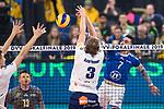 24.02.2019, SAP Arena, Mannheim<br /> Volleyball, DVV-Pokal Finale, VfB Friedrichshafen vs. SVG LŸneburg / Lueneburg<br /> <br /> Block / Doppelblock Noah Baxpšhler / Baxpoehler (#4 Lueneburg), Adam Schriemer (#3 Lueneburg) - Angriff Athanasios Protopsaltis (#7 Friedrichshafen)<br /> <br />   Foto © nordphoto / Kurth