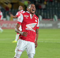 BOGOTA -COLOMBIA, 9-NOVIEMBRE-2014. <br /> Wilder Medina de Independiente Santa fe gesticula   durante partido por la fecha 18 de la Liga Postob—n II 2014 contra el Junior jugado en el estadio Nemesio Camacho El Campin de la ciudad de Bogota./ Wilder Medina Santa Fe Independent gestures during the match on 18 Postob—n II 2014 Junior League Against played at the Nemesio Camacho El Campin stadium in Bogota city<br /> .Photo / VizzorImage / Cristian Alvarez  / Contribuidor