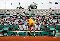 Jelena Jankovic (SRB) (4) against Alona Bondarenko (UKR) (27) in the second round of the women's singles. ..Tennis - French Open - Day 7 - Say 30 May 2010 - Roland Garros - Paris - France..© FREY - AMN Images, 1st Floor, Barry House, 20-22 Worple Road, London. SW19 4DH - Tel: +44 (0) 208 947 0117 - contact@advantagemedianet.com - www.photoshelter.com/c/amnimages
